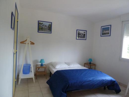 La chambre Amboise pour 4 personnes avec salle d'eau et WC privatifs